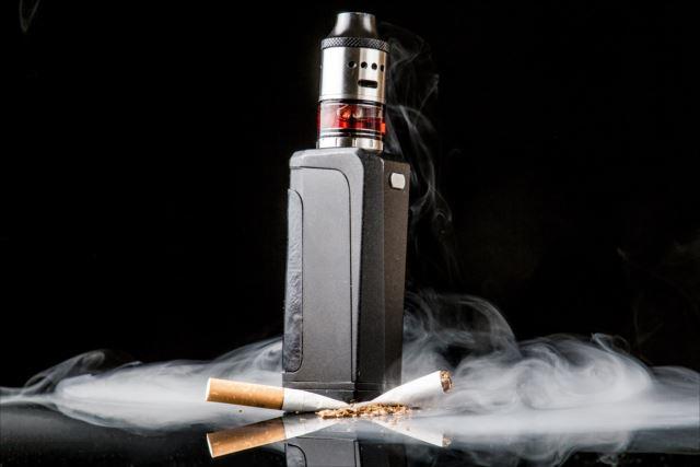 似ているようで大違い!電子タバコと普通のタバコの違い